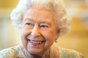 Queen sends personal message